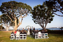 Looking for a coastal wedding venue in San Diego? Harbor Island Park offers beautiful views of the bay.